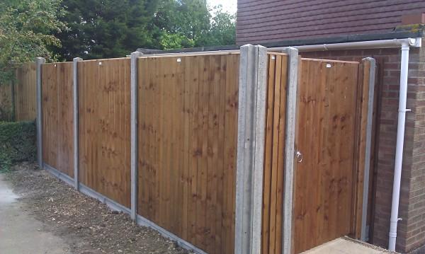 Closeboard Panels And Concrete Posts - Jarrett Fencing