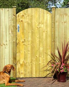 arch-featheredge-gate.jpg