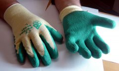 grip-gloves-w.jpg