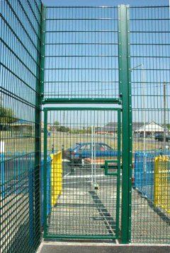 mesh-gate.jpg