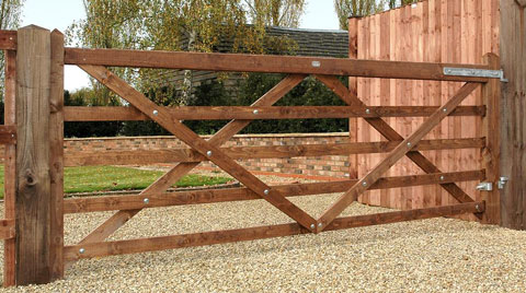 Diamond Braced Field Gate